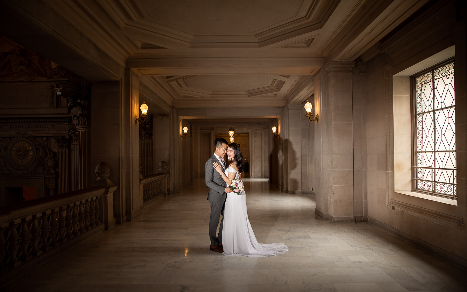 asian couple in san francisco city hall