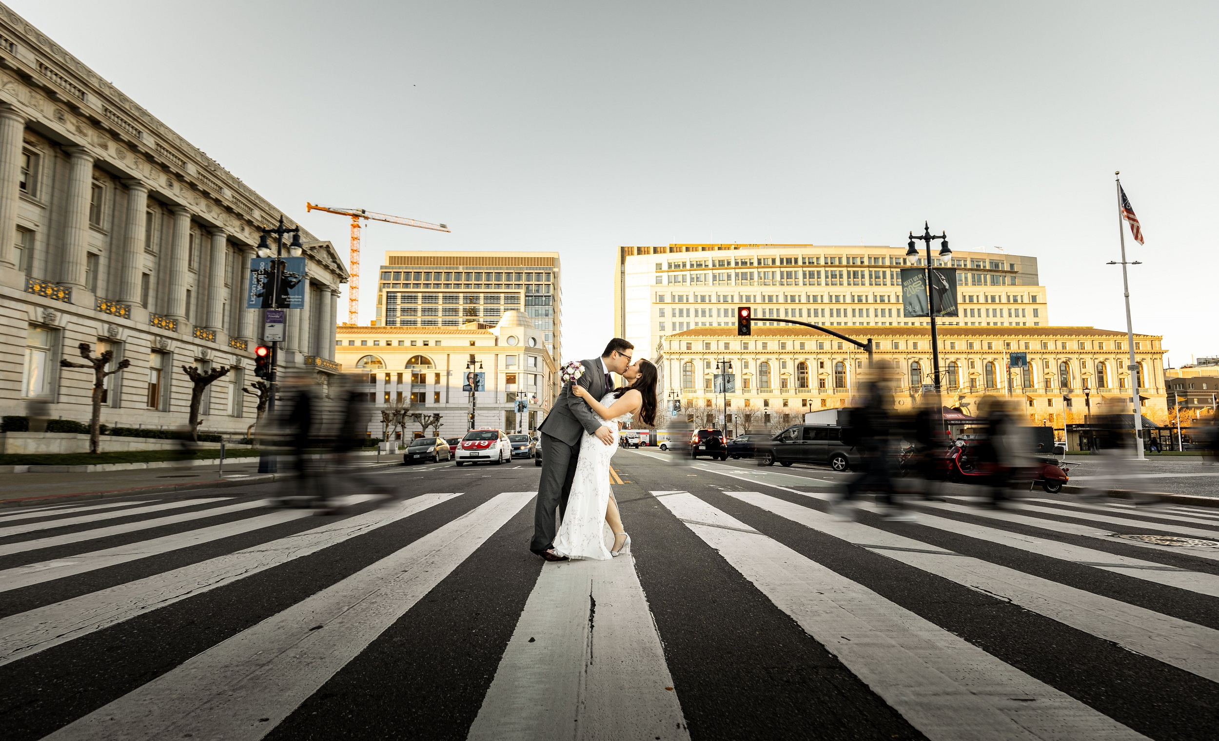 couple kissing crosswalk